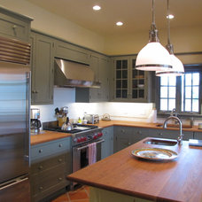Traditional Kitchen Countertops by EnGRAIN Wood Countertops