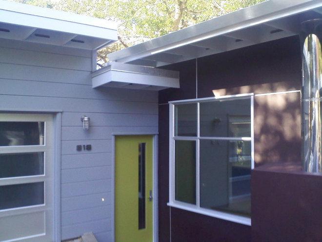 Modern Exterior 818 KNOLL
