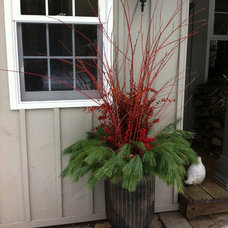 Farmhouse Outdoor Holiday Decorations by The Branch Ranch