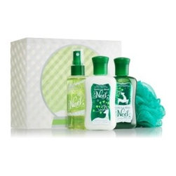 Vanilla Bean Noel Minis To Go Gift Set - Pamper your family while they visit and make them feel like royal guests by giving them each their own Christmas toiletries. This is great for family members traveling from far away — just give them a heads-up that they don't need to pack their own. Plus, everyone will smell like Christmas!