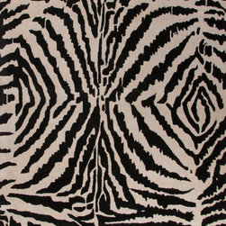 Jaipur Rugs - Jaipur Hand-Tufted Animal Print Pattern Wool Black/Ivory Area Rug (5 x 8) - En Casa is the design collection of Cuban born, Queens, NY raised painter and surface designer, Luli Sanchez. This collection is based off of her painterly works of art that capture an organic and moody yet optimistic spirit. Her hand drawn florals and geometrics were truly inspiring for this Hand Tufted collection. Jaipur En Casa by Luli Sanchez Tufted RUG115937 Hand-Tufted Animal Print Pattern Wool Black/Ivory Area Rug (5 x 8) India. 100% Wool