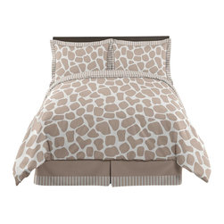 Sweet Jojo Designs - Giraffe 4-Piece Twin Bedding Set by Sweet Jojo Designs - The Giraffe 4-Piece Twin Bedding Set by Sweet Jojo Designs, along with the  bedding accessories.