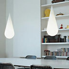 GOCCIA H2 PENDANT LAMP BY ROTALIANA LIGHTING - Goccia from Rotaliana is suspended lamp offering soft illumination.