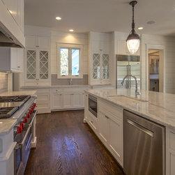 Bianco Carrara marble kitchen - Bianco Carrara marble:Levantina Atlanta. Install: Atlanta Kitchens. Photographer: Rod Collins Photography.  Interior Design: Kattia Easterly Designs.