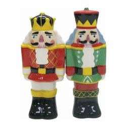 WL - 4 Inch Kitchenware Nutcracker Figurines Salt and Pepper Shakers - This gorgeous 4 Inch Kitchenware Nutcracker Figurines Salt and Pepper Shakers has the finest details and highest quality you will find anywhere! 4 Inch Kitchenware Nutcracker Figurines Salt and Pepper Shakers is truly remarkable.
