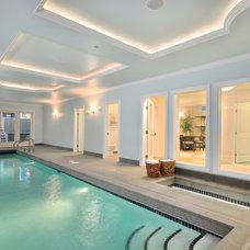 Modern Pool by John Henshaw Architect Inc.