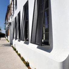 Beach Style Exterior by Starr Sanford Design