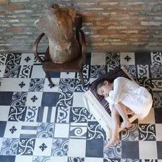 Modern Floor Tiles by flott home design