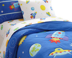 Wildkin - Olive Kids Out of this World Full Comforter Set - This bed is out of this world! Your child's room will blast off with fun! The comforter/quilt is a field of stars, moons and planets with rocketships and ufo's. Super soft, the quilt has outline stitiching and is backed in solid blue. The coordinating shams feature a rocket with embroidered details.
