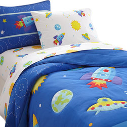 Wildkin - Olive Kids' Out of This World Comforter Set - This bed is out of this world! Your child's room will blast off with fun! The comforter/quilt is a field of stars, moons and planets with rocketships and ufo's. Super soft, the quilt has outline stitiching and is backed in solid blue. The coordinating shams feature a rocket with embroidered details.