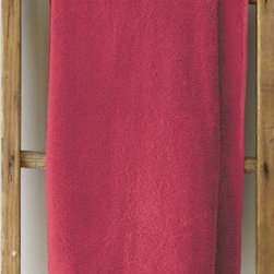 Garnet Hill - Garnet Hill Signature 600-Bath Towel - Garnet - These thirsty bath towels are made of the finest long-staple Egyptian cotton. The extra-thick 600-gram cotton terry has long loops that are specially finished to provide maximum absorbency. Double-stitched hems for durability. Generously sized, these towels are made in Turkey exclusively for Garnet Hill. Bath mat is 800-gram terry. Monogramming is available.
