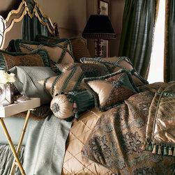 Villa di Como Bed Linens -