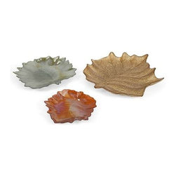Harvest Leaves Glass Plates - Set of 3 - Fall into fall with Harvest leaf glass plates. They are the perfect decoration for Autumn.