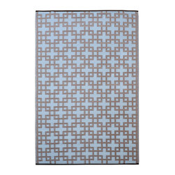 None - Prater Mills Indoor/ Outdoor Reversible Blue/ Taupe Rug - Perfect the look of your porch or patio with this stylish indoor/outdoor rug from Prater Mills. This reversible rug features a beautiful blue-and-taupe geometric print. Made of 100-percent recycled plastic,this area rug resists moisture and mildew.