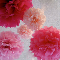 5 Tissue Paper Poms in Pink party by StudioMucci on Etsy