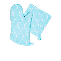 Working Class Studio - Bacon n' Eggs Collection - Coop - Oven Mitt/Pot Holders - With its pretty robin's egg blue shade and geometric pattern of chicken coop wire, this charming oven mitt set gives you that fresh country morning feel with modern flair. The set includes one mitt and one pot holder, so you're covered for two-handed jobs.