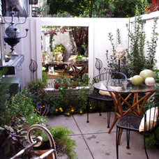 Cozy, Intimate Courtyards : Outdoors : Home & Garden Television