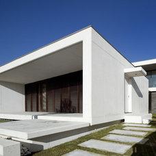 Contemporary  by QUADRANTE Arquitectura