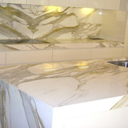 Granite,Marble, Quartz and Onyx /some jobs done by Us. - Paulo B.