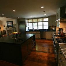 Kitchen by Bruce Frasier Architects, P.C.