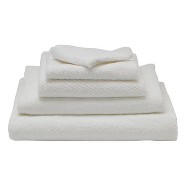 "Coyuchi® - Organic Air Weight 6-Piece Towel Set, Tangerine - Coyuchi organic cotton towels are twill woven with tiny spaces between the terry rows, letting the loops fan out to drink in maximum moisture. The design allows air to circulate, so these soft, thirsty towels dry fast and stay fresh longer. Light but plush, they're a breeze to launder, and rolled self-hems help them keep their shape wash after wash. Towel Set includes 2 bath towels (27""x54""), 2 Hand Towels (20""x40""),  and 2 wash cloths (12""x12"")."