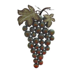 UMA - Cluster of Grapes Wall Decor - A highly detailed and realistic cluster of grapes, with leaves, stems and vine, adds instant vineyard appeal