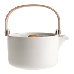 Oiva Teapot by Marimekko - Scandinavian beauty and simplicity at its best! This gorgeous teapot is the perfect accessory to keep perched upon your stove top.