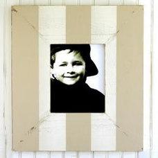 Modern Frames by Cottage Coastal Store