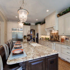 Traditional  by Kerri Robusto Interiors