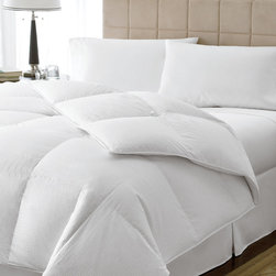 None - Luxury Oversized 800 Fill Power Queen/ King-size Goose Down Comforter - Keep yourself warm in the Eddie Bauer luxury oversized 800 fill power goose down comforter. It features a cotton cover material and a dobby basket weave pattern in a white finish. Available in a queen and king size.