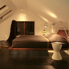 contemporary bedroom PLASTOLUX &ldquo;keep it modern&rdquo; &raquo; A 1912 bungalow goes modern in Portland