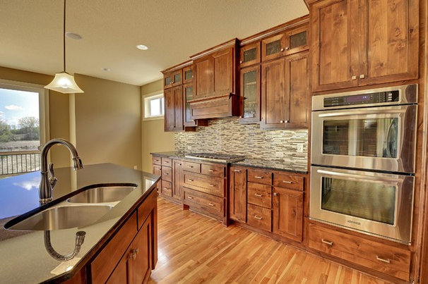 Kitchen by Hanson Builders, Inc.