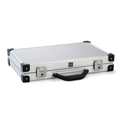 Wusthof - Wusthof Chef's Magnetic Attache Case - The internal magnets hold the knives perfectly. This is the perfect case for someone who likes to buy different  sizes in knives. It also comes with 2 keys in case one is lost.