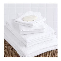 Textured Bath Towel - Big, soft white towels! In 600-gram cotton. A wonderful way to make your bath feel a little more luxurious right from home.