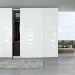 Screen sliding door closet