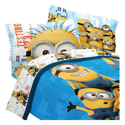 Franco Manufacturing Company INC - Despicable Me Twin Bedding Set Minions Testing 123 Bed - Features: