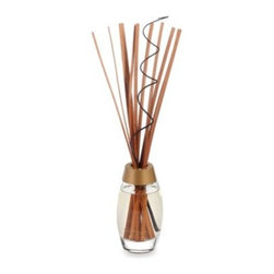 Yankee Candle - Yankee Candle Pure Radiance Premium Reed Diffuser in Creme Brulee - Fill any room with fragrance and style. Pure Radiance Reed Diffuser features the same clean, contemporary design and captivating radiance as Yankee Candle Pure Radiance candles.