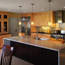 Modern Kitchen Cabinetry by IAS Kitchen & Bath Design