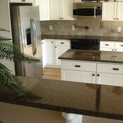 Kitchens with White Cabinets - Mogastone