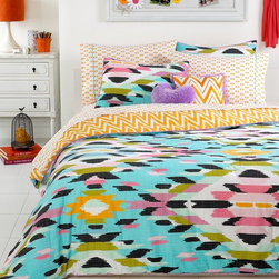 Teen Vogue Mojave Blue Comforter Set - This comforter set adds an explosion of color to a small room. If you can't let go of summer yet, just think of this as a way to extend bright, summery colors right into fall.