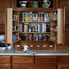 Masterpiece® - Wall Multi-Storage Pantry - Features & Accessories - Merillat