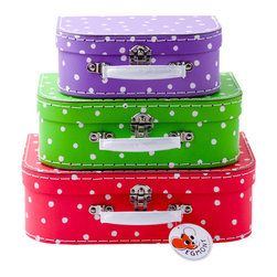 Egmont toys - Multicolored dots suitcases set - Kids can play make-believe at traveling or store special finds in these eye-catching suitcases. The vintage style set contains three suitcase boxes made of sturdy cardboard with metal and plastic hardware.
