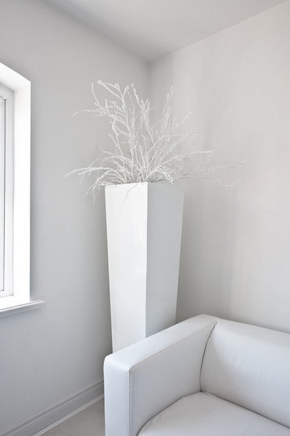 Contemporary Indoor Pots And Planters by The Luxury Planter Collection