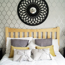 Contemporary Bedroom by Wioleta Kelly