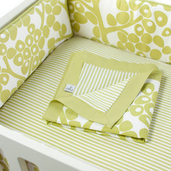 Modern Berries Play Blanket, Spring Green