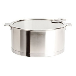 Cristel - Cristel Strate L Brushed Stainless Stew / Casserole Pan With Lid 5.4-qt. - The base is made out of an alloy of stainless steel and aluminum. The heat is simultaneously spread over the whole surface of the base and sides. For gentle, economic cooking with no risk of sticking and protecting all the nutritional qualities of food. Multicooking: suitable for all cooking cooktops; can also be placed on the oven (with or without the lid). Body in 18/10 brushed finish stainless steel. Handles in comfortable stainless steel, welded to the saucepans and riveted to the pans. Can be hung up by the handle for easy storage.Inside grading. Dishwasher safe.. Made in France.