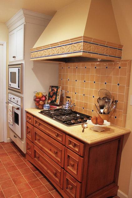 Traditional Kitchen Sunny Vista Lane