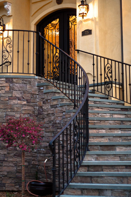 Traditional  by Allwood Construction Inc