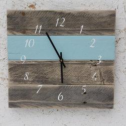 Reclaimed Pallet Wood Clocks - Michael Wertz