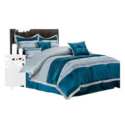 Carrington Bedding Set - Full - The Carrington Bed set features a simple yet vibrant pattern with a light blue and grey color palette and a simple trim pattern. This gorgeous bed set brings you true elegance in the comfort of your room. Featuring bed skirt, two pillow shams, and three different types of throw pillows.